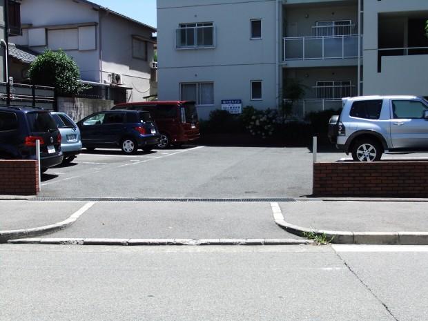 松ヶ丘ハイツ駐車場